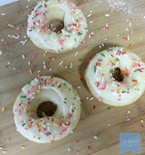 baked avocado donuts b