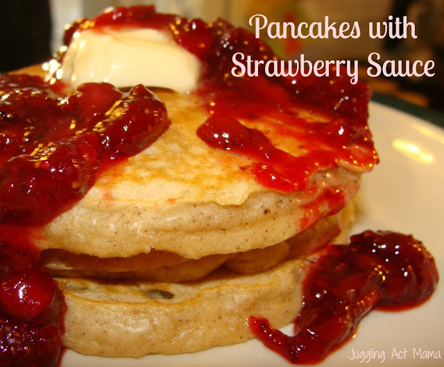Easy Breakfast Recipes: Strawberry Sauce Pancakes